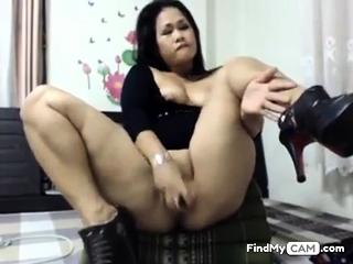 asian slut toying her nuisance coupled with pussy