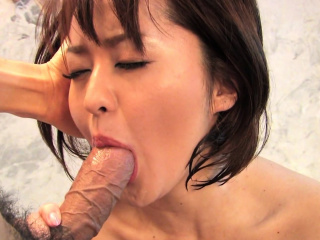 Hot milf, Runa Kanzaki cheated on her husband, to the ground