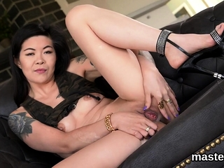 Spicy czech chick stretches her formerly larboard vagina to the bi57cne